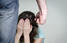 Drama Kazlų Rūdoje: neseniai pagimdžiusią 16-metę sumušė dvigubai vyresnis jos vyras