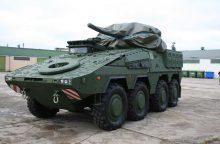 Kariniam paradui į Lietuvą atvyko pėstininkų kovos mašinos