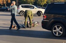 "Karaliaus Mindaugo prospekte – ""Mercedes-Benz"" ir dviratininko avarija"