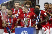 """Anglijos Lygos taurę iškovojo """"Manchester United"""""""