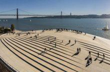 """""""Euroviziją"""" rengiantys portugalai stebina: raudoną kilimą pakeis mėlynu"""