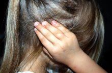 Dėl galvos sumušimo mažametė pateko į ligoninę, įtariama motina