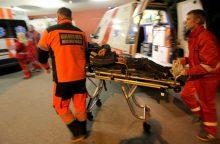 Drama Kalniečiuose: kirviu puolė žmoną, bet į ligoninę pateko pats