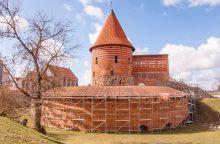 Kauno pilį apjuosė pastoliai: kas bus daroma?