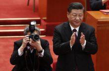 Xi Jinpingas: niekas negali nurodinėti Kinijai