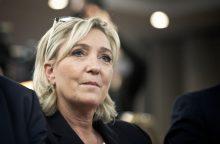 Prancūzijoje siūloma neleisti migrantų vaikų į valstybines mokyklas