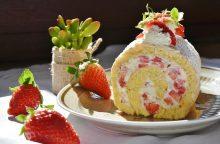 """""""Kuršėnų"""" vyniotinis – legendomis apipintas desertas <span style=color:red;>(receptas)</span>"""
