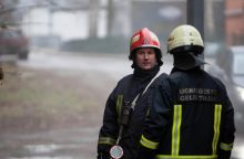 Uostamiestyje vyrai padegė automobilį