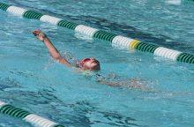 Amerikoje plaukimo trenerė teisiama dėl trylikametės mirties