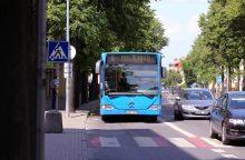 Automobilių vairuotojai kviečiami nemokamai važiuoti miesto autobusais