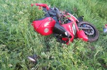 Įspūdingos nuo policijos sprukusio motociklininko gaudynės