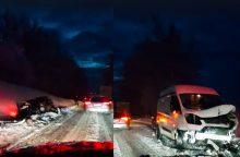 Snygis virto apokalipse: lūžo medžiai, eismo įvykiuose – sužeisti žmonės