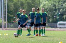 Lietuvos 17-mečiai futbolininkai pradėjo darbą su nauju treneriu