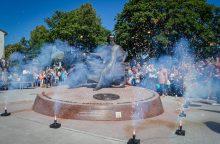 Atidengtas istorinis paminklas simbolizuos laisvę ir dovanos sėkmę