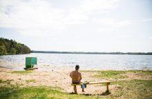 Kauno marių paplūdimyje maudytis vėl saugu