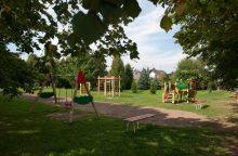 Akibrokštas: kapinėse – vaikų žaidimų aikštelė