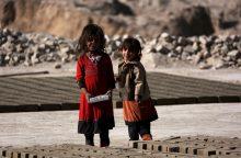 Jungtinės Tautos: pusė visų pasaulio vargšų yra vaikai