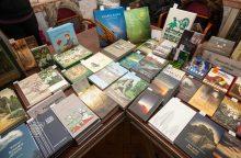 Kalėdinėje knygų mugėje – šimtmečio literatūra ir garbaus amžiaus skaitytojai