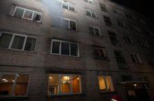 Po gaisro Kauno daugiabutyje į ligoninę išvežtas vienas žmogus