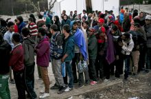 Centrinės Europos lyderiai atmetė migrantų pasidalijimo planą