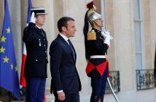 E. Macronas Versalyje priims V. Putiną
