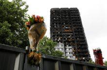 Patvirtinta: per gaisrą Londono daugiabutyje žuvo 71 žmogus