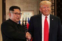 Pietų Korėjos prezidentas: Kim Jong Unas nori antro susitikimo su D. Trumpu