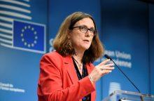 """ES žada atsaką, jei JAV pritaikys """"pražūtingus"""" tarifus automobiliams"""