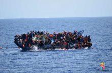 Viduržemio jūroje nuskendus migrantų valčiai žuvo mažiausiai 60 žmonių