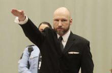Teismas: su A. B. Breiviku kalėjime nesielgiama nežmoniškai