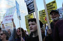 Bostone mokslininkai protestavo prieš grėsmę mokslui JAV