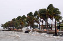 """Uraganas """"Maria"""" artėja prie Mergelių Salų ir Puerto Riko"""