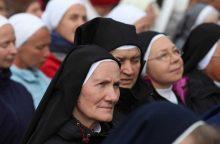 Popiežius kunigams ir vienuoliams: mes nesame Dievo valdininkai