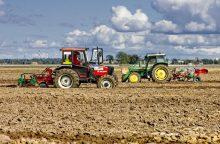 Išmokų stambiems žemdirbiams ribojimo klausimas įstrigo Seime