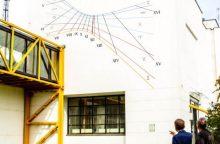 Didžiausiam vertikaliajam saulės laikrodžiui Lietuvoje – 10 metų