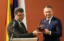 Konstitucinio teismo pirmininkui D. Žalimui – Moldovos valstybinis apdovanojimas