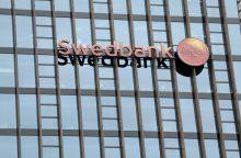 """""""Swedbank"""" akcininkas: pasitikėjimui banku yra pakenkta"""