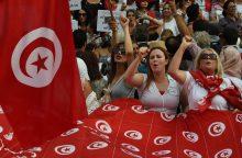 Tuniso prezidentas siūlo suteikti moterims lygias teises paveldėjant turtą
