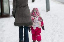 Idėja pratęsti mokamas vaiko priežiūros atostogos sulaukė pasipriešinimo