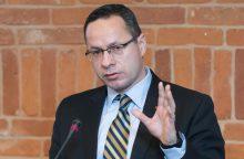 Ž. Pavilionis: baudžiame lietuvius, kurie pasirenka kitos valstybės pilietybę