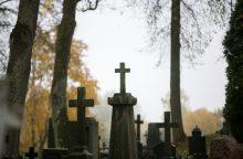 Vyriausybė sieks pažaboti netvarkomus kapus