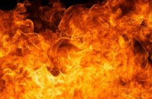 Mažeikių rajone gausios ugniagesių pajėgos gesino gaisrą fermoje