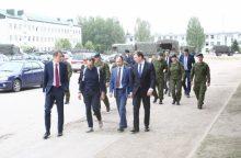 Ministrai Rukloje susipažino su krašto apsaugos sistemos investicijomis ir grėsmėmis