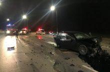 Kaune avariją sukėlė smarkiai apgirtęs BMW vairuotojas
