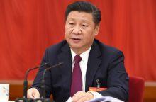 """Kinijos Komunistų partija suteikė Xi Jinpingui simbolinį """"branduolio"""" statusą"""
