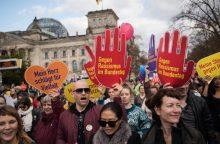 Tūkstančiai vokiečių Berlyne protestavo prieš kraštutinių dešiniųjų partiją AfD