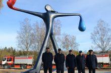 Ugniagesiams – skulptūra ir nauji automobiliai