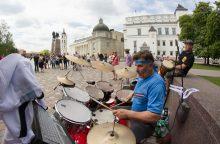 Nuo liaudies muzikos iki robotų: taip Vilnius šventė Gatvės muzikos dieną