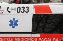 Tragiškas vakaras – avarijoje mirė jaunuolis, keturi žmonės sužaloti