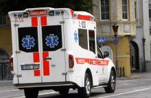 Senamiestyje automobilis partrenkė mergaitę